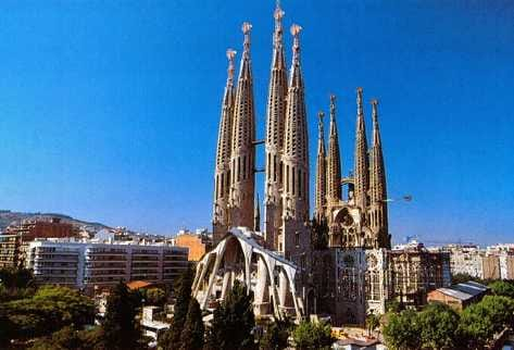 Spain continues to hit travel records