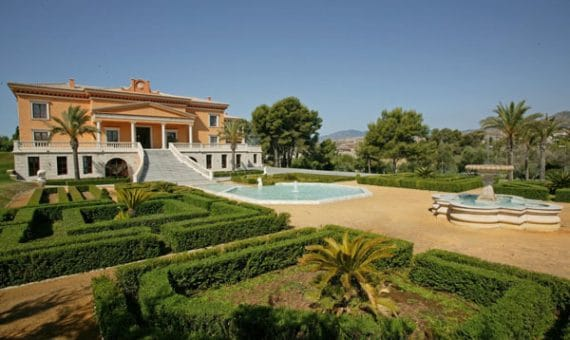 Foreign investors are ready to invest 14.000 million euros in   property in Spain