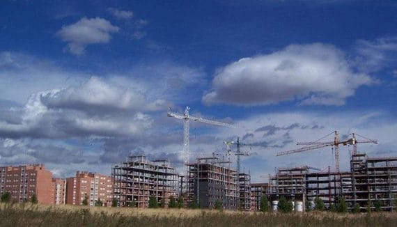 Real estate is getting more cheaper more in Spain