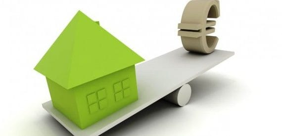 The number of operations on purchase and sale of real estate in Spain fell