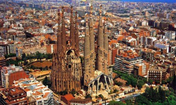 Almost four million tourists to Catalonia
