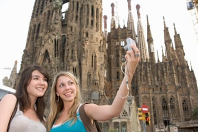 Spain receives more tourists