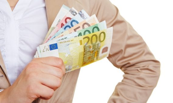 Bank of Spain believes that it is already possible to raise salaries