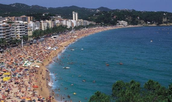 Spain will receive million foreign tourists this year