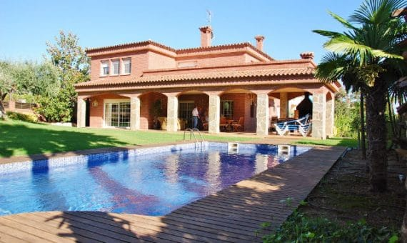 Properties on the Costa Dorada: culture and modernity