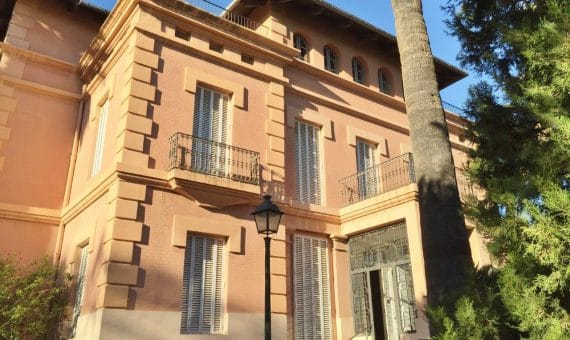 How is a house in Barcelona?