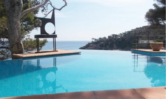 Quiet streets and magnificent beaches, or why you need an apartment on the Costa Brava