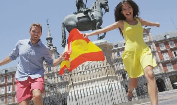 Foreign tourists spent in Spain 32,685 million euros