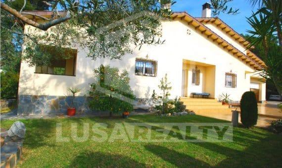 Villa with wonderfull garden in Comarruga of Costa Dorada | 0-sin-titulopng-8-570x340-png