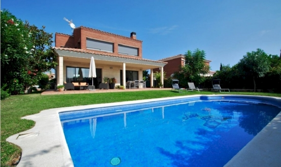 Luxury villa with swimming pool next to the the beach in Calafell | 0-sin-titulopng-6-570x340-png