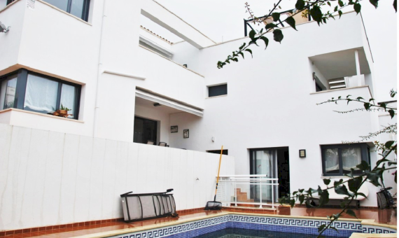 Modern villa with swimming pool and sea views | 0-sin-titulopng-7-570x340-png