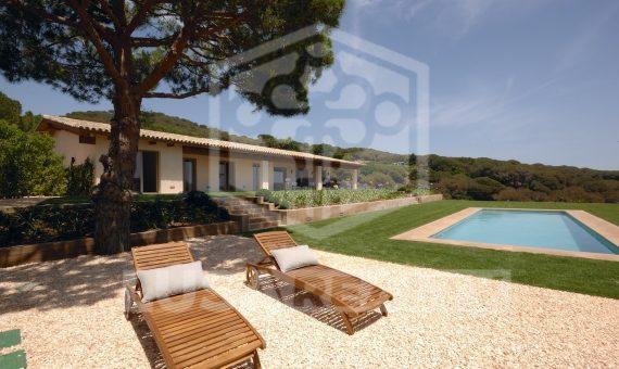 New built villa of 700 m2 on sale in the luxury urbanisation of Sant Vicenç de Montalt | 11100-11-570x340-jpg