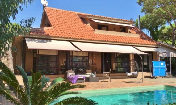 Charming house near the sea in Gava Mar | 11197-11-570x340-jpg