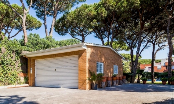 Large house very close to the beach in Castelldefels   11309-10-570x340-jpg