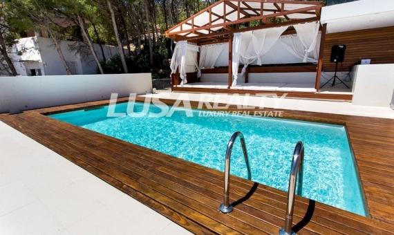Luxury villa with views in Les Botigues de Sitges | 11580-3-570x340-jpg