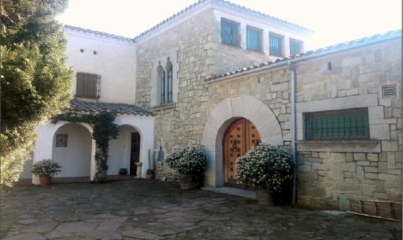 Country House and Castle  Costa Barcelona | 11644-0-570x340-jpg