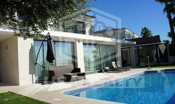 House- Costa Barcelona | 11665-2-570x340-jpg