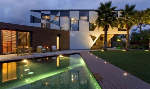 Exclusive modern villa on sale in Terramar area of Sitges | 12332-0-570x340-jpg