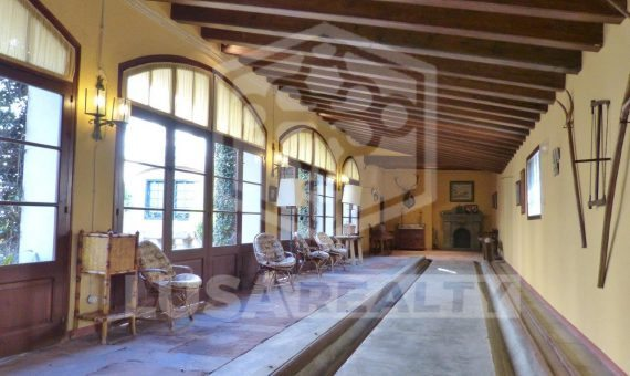 Manor on sale close to Barcelona with hotel license   12439-15-570x340-jpg