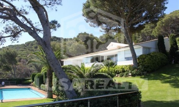 Luxury villa on sale in Costa Brava, Begur | 12482-2-570x340-jpg