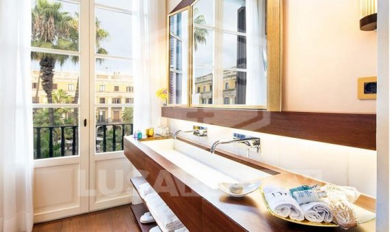 The elegant five star boutique hotel with 2 restaurants on sale in the center of Barcelona | 12527-5-570x340-jpg