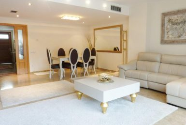 Town house to rent in Gava Mar - 13450-0