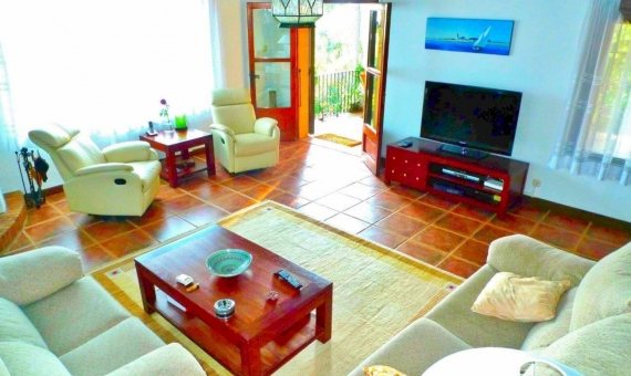 Catalan villa for summer rent 400 m away from the beach in Torre Valentina | 13565-17-570x340-jpg
