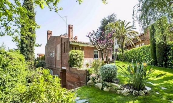 Villa close to the beach in Cabrils | 14-lusa-villa-cabrils-15-420x280-jpg
