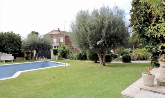 Villa with sea views on a large plot with swimming pool on sale in Segur de Calafell | 5585-0-570x340-jpg