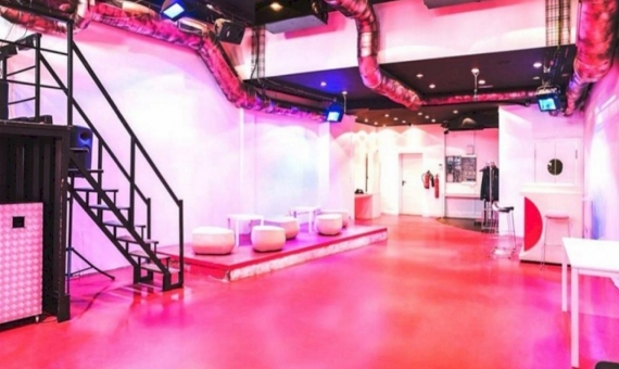 Commercial space of 300 m2 with license for a bar, a private club in the city centre, next to Las Ramblas   5767-2-570x340-jpg