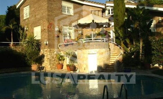 House  Costa Barcelona | 6153-2-560x340-jpg