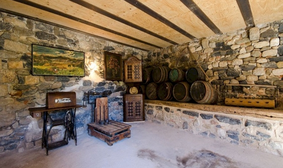 Renovated Catalan farmhouse of 18th century | 6322-3-570x340-jpg