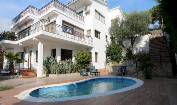 House 300 m2 near the beach | 7022-2-570x340-jpg