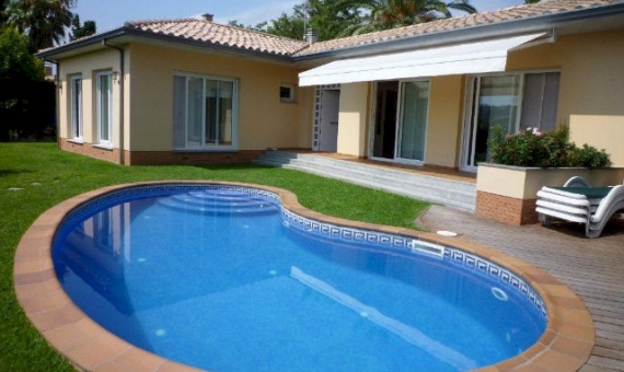 House with a plot area 700 m2 in S'Agaró | 7071-3-570x340-jpg