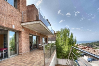 2232  House with sea views in Castelldefels for sale