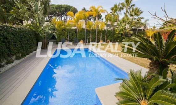 Modern designer villa with six bedrooms near the sea in Sant Andreu de Llavaneres | 7658-1-570x340-jpg