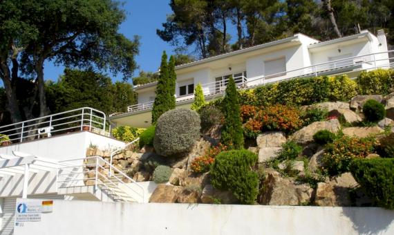 Chalet 260 m2 on a plot of 800 m2 in Cala Sant Francesc | 10363-2-560x340-jpg