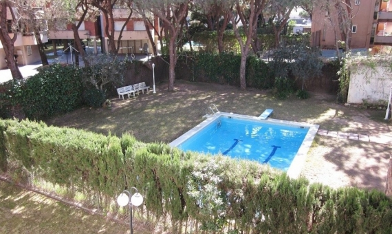 Townhouse near the beach for sale on a 370 m2 plot in Gava Mar | 8284-0-570x340-jpg