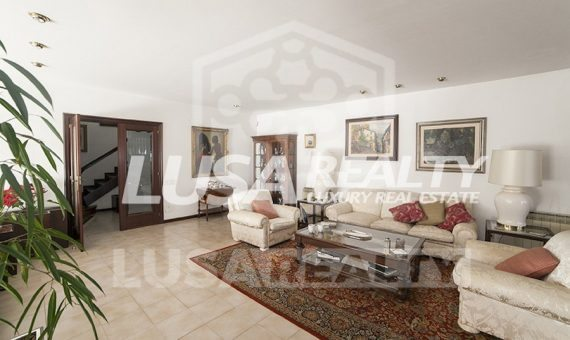 Sea view villa with the plot of 1.500 m2 close to the beach in Alella | 8959-8-570x340-jpg