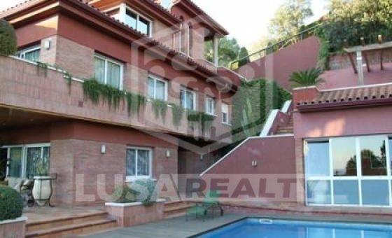 Houses  Costa Barcelona | 9105-2-560x340-jpg