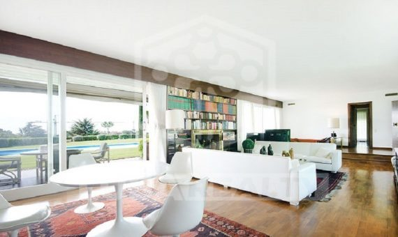Villa with sea views on a big plot on sale in Sant Andreu de Llavaneres | 9517-10-570x340-jpg
