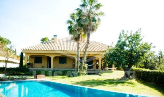 House  Costa Barcelona | 9581-6-570x340-jpg