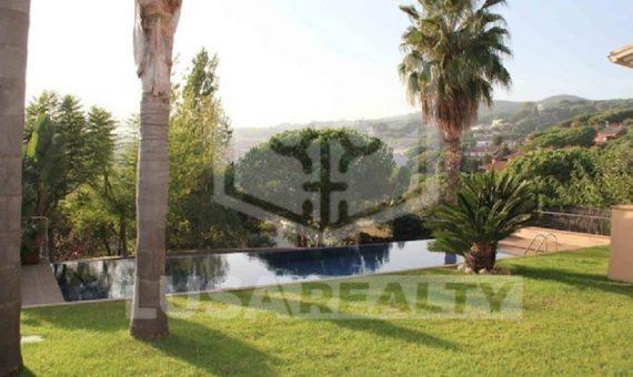 Modern house on sale in Sant Vicenç de Montalt, close to Barcelona | 9666-6-570x340-jpg
