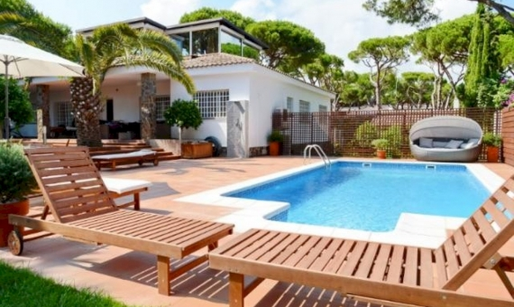 Beautiful house with a mini farm in Castelldefels | 9952-5-570x340-jpg