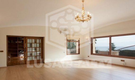 Luxury colonial villa on the plot of  m2 close to Barcelona in Cabrera de Mar | 9966-6-570x340-jpg