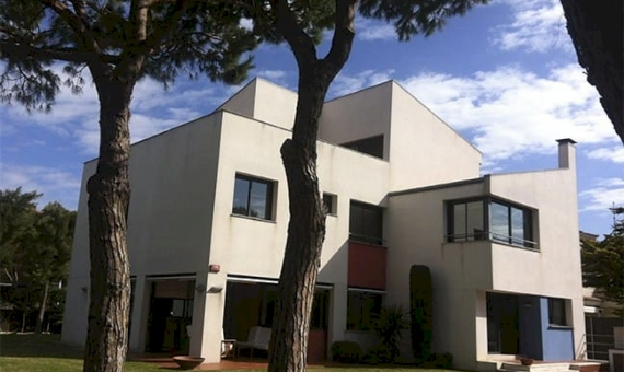 House  Barcelona Coast | 1-1-570x340-jpg
