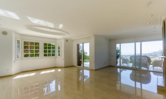Family house 762 m2 of 5 bedrooms with seaview in Cabrils | 0-lusarealty-house-cabrils-barcelona00001jpeg-570x340-jpg