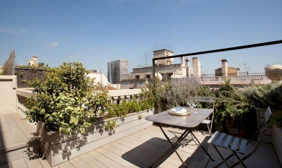 Luxury Penthouse with a terrace 100m2 in the center of Barcelona | 4-20170322-91936png-6-570x340-png