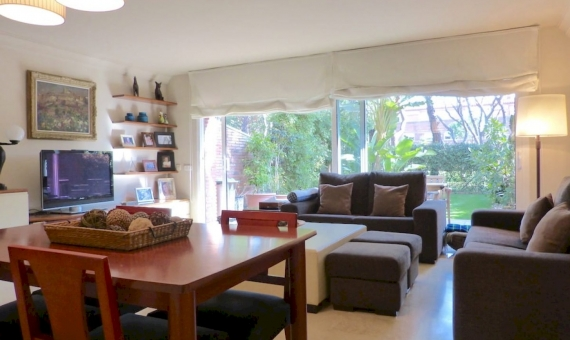 Sunny townhouse to rent in the private compound with pool | 2-lusa-realty-adosada-gavamar00005jpg-570x340-jpg
