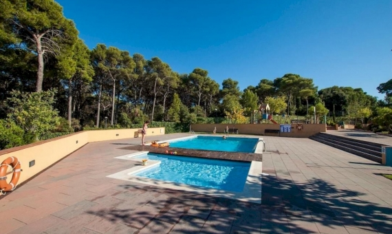 Townhouse in the private condo with pool in 180 v from the beach in Lloret de Mar | 18-image050916070428jpeg-570x340-jpg